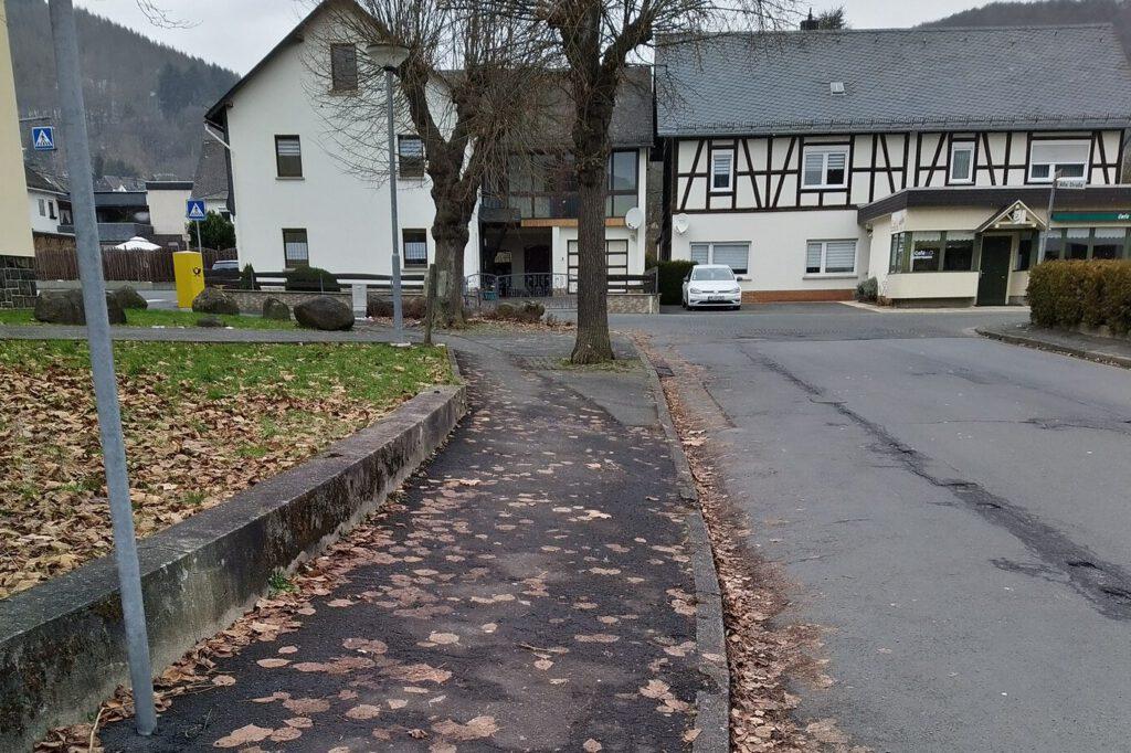 Wallau Gehweg DRK IMG_20210115_132436_2
